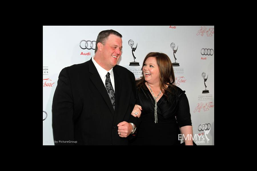 Billy Gardell and Melissa McCarthy arrive at the 21st Annual Hall of Fame Gala