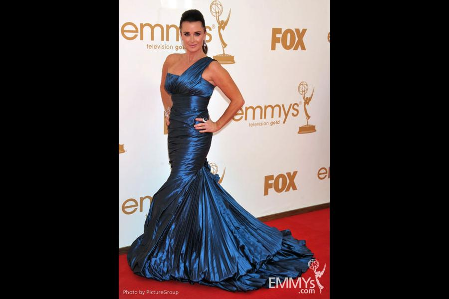 Kyle Richards arrives at the Academy of Television Arts & Sciences 63rd Primetime Emmy Awards
