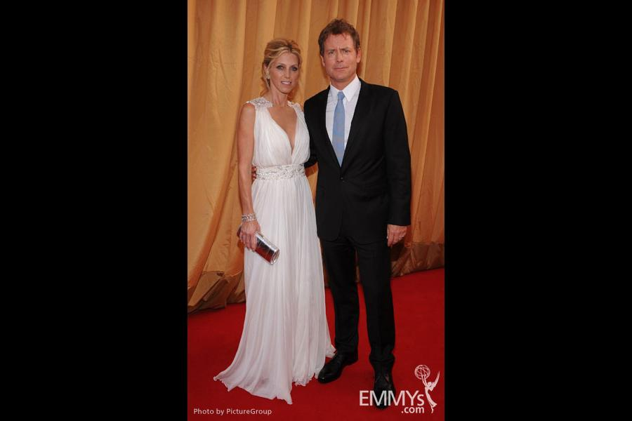 (L-R) Helen Kinnear and Greg Kinnear arrives at the Academy of Television Arts & Sciences 63rd Primetime Emmy Awards