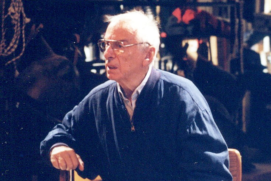 Phil Hymes on the SNL set