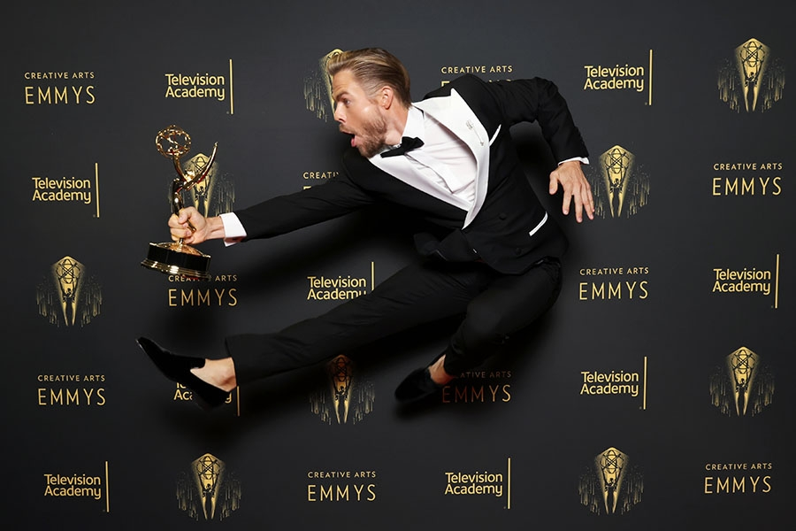 Derek Hough at the 2021 Creative Arts Emmys, September 12, 2021 in Los Angeles, California.