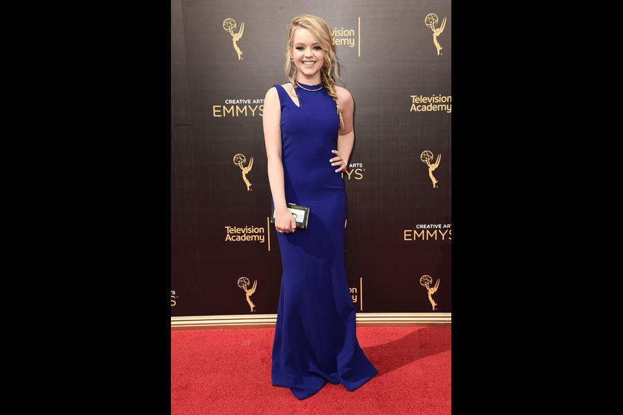 Jade Pettyjohn on the red carpet at the 2016 Creative Arts Emmys.