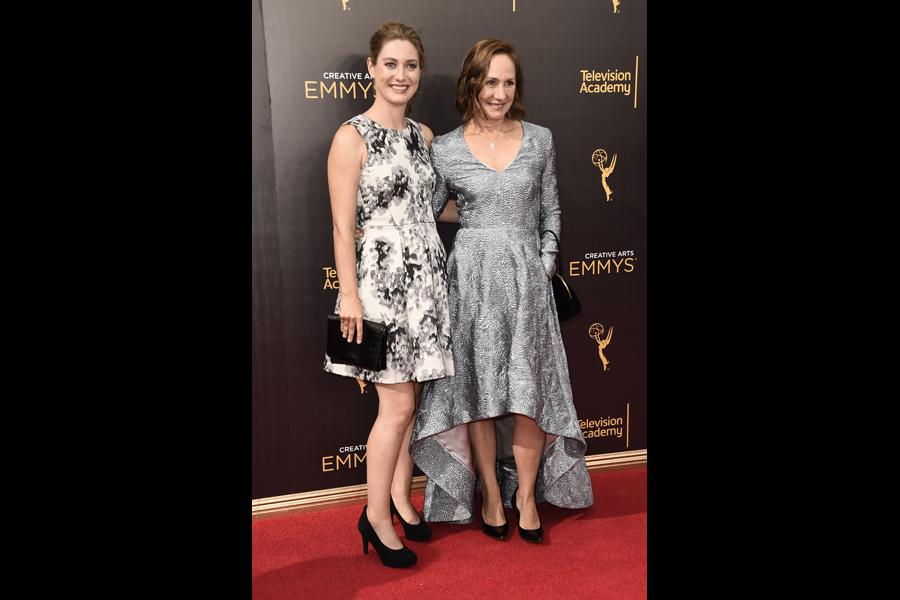 laurie metcalf age