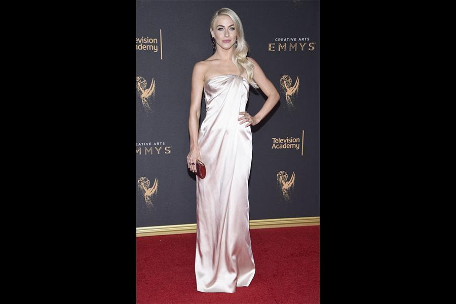 Julianne Hough on the red carpet at the 2017 Creative Arts Emmys.