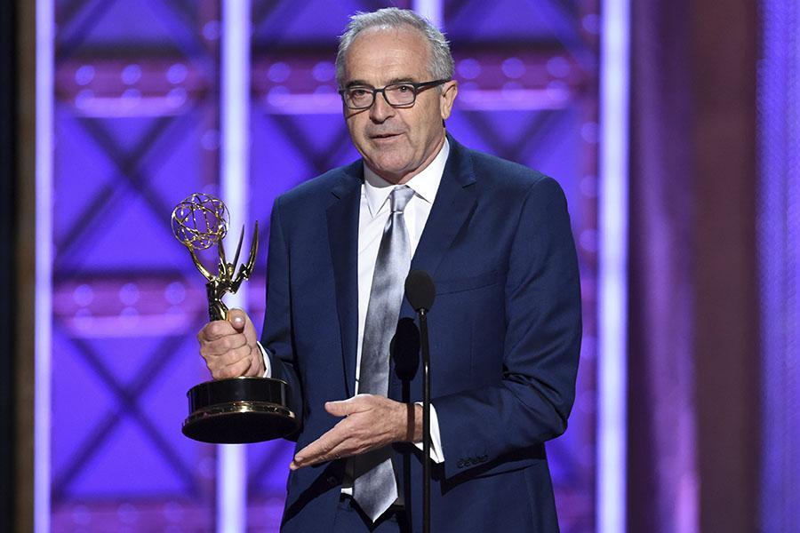 Bruce Ready accepts an award at the 2017 Creative Arts Emmys.