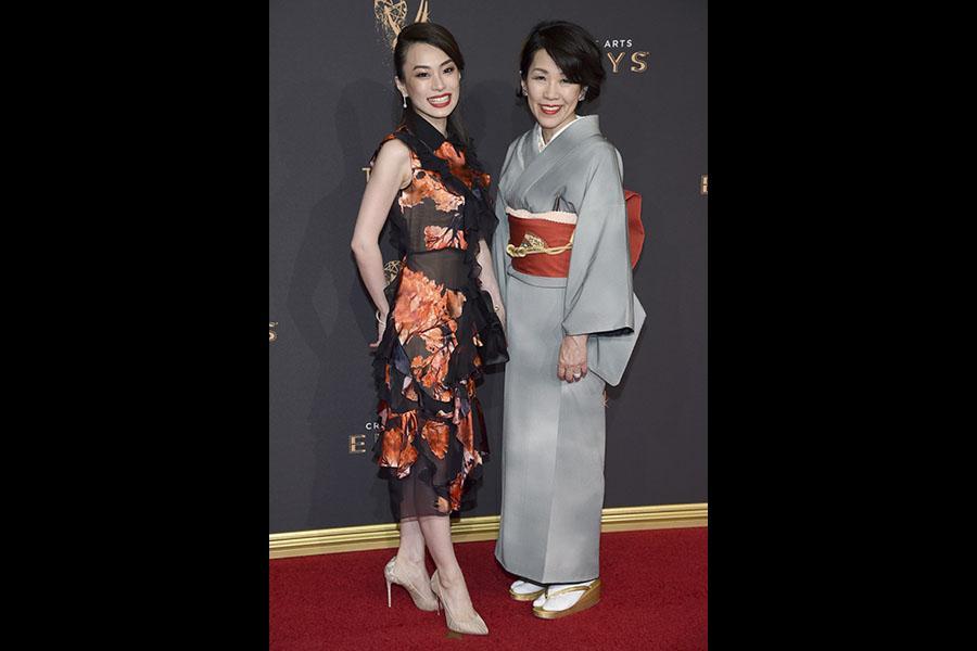 Arisu Kashiwagi and Tamae Kashiwagi on the red carpet at the 2017 Creative Arts Emmys.