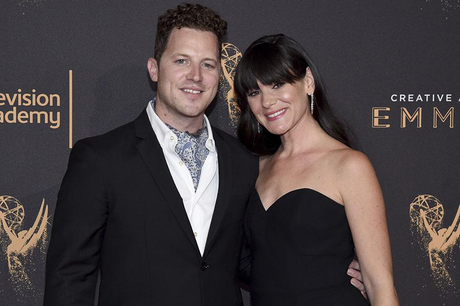 Scott Lewis and Jillian Leigh on the red carpet at the 2017 Creative Arts Emmys.