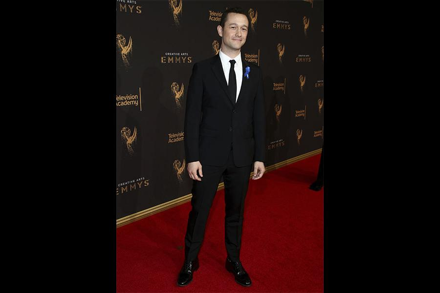 Joseph Gordon-Levitt on the red carpet at the 2017 Creative Arts Emmys.
