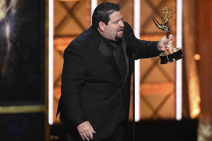 Dean Zimmerman accepts his award at the 2017 Creative Arts Emmys.