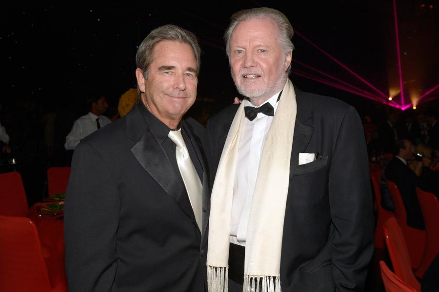 Beau Bridges (l) of Masters of Sex and Jon Voight (r) of Ray Donovan at the 2014 Creative Arts Emmys ball.