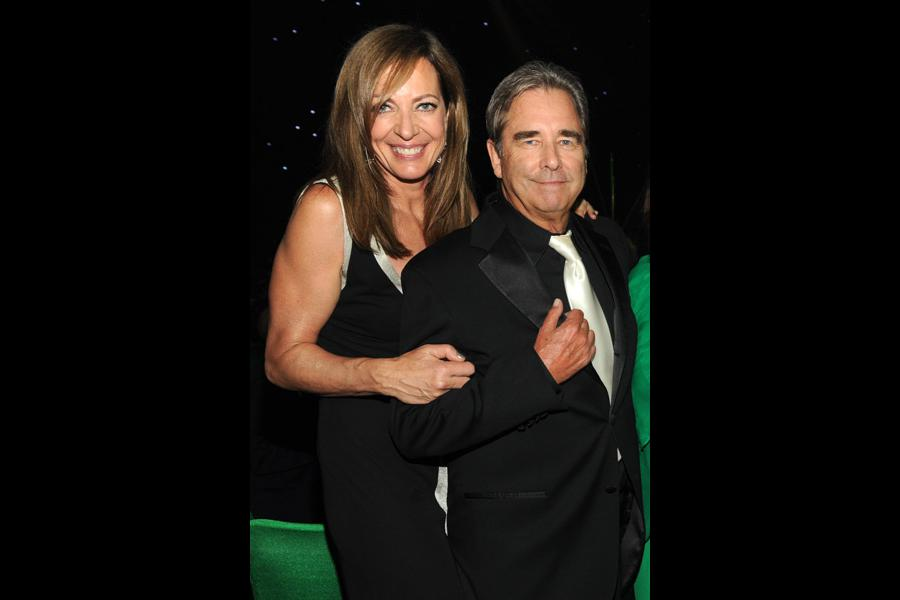 Allison Janney (l) and Beau Bridges (r) of Masters of Sex at the 2014 Creative Arts Emmys ball.