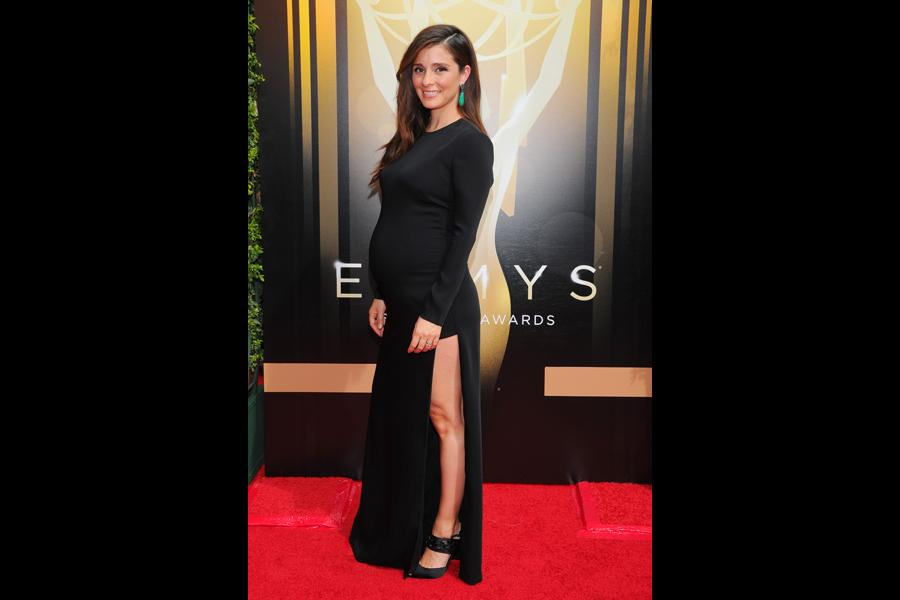Shiri Appleby on the red carpet at the 2015 Creative Arts Emmys.