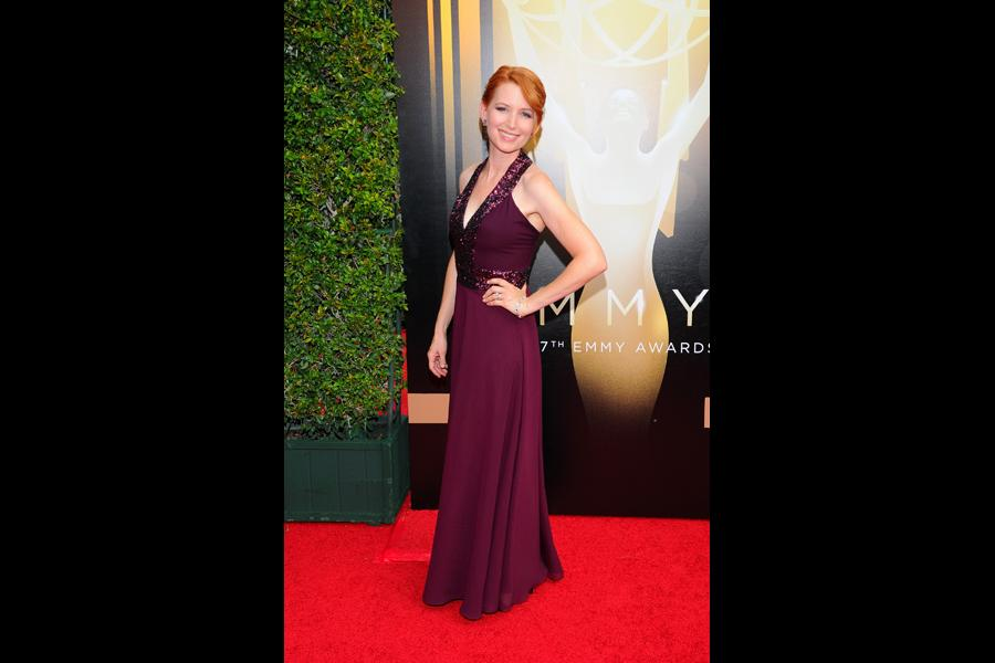 Tamara Krinsky arrives on the red carpet at the Creative Arts Emmy Awards 2015.