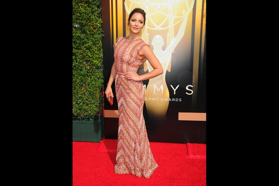 Katharine McPhee arrives on the red carpet at the Creative Arts Emmy Awards 2015.