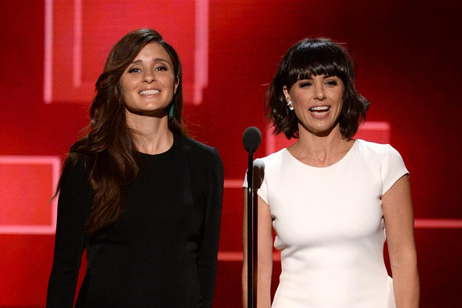 Shiri Appleby and Constance Zimmer presents award at 2015 Creative Arts Emmy Awards.