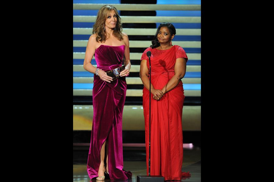 Allison Janney (l) and Octavia Spencer of  (r) present an award at the 66th Emmys.