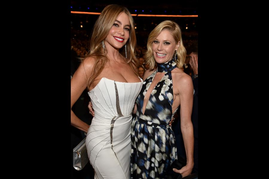 Sofía Vergara (l) and Julie Bowen (r) of Modern Family at the 66th Emmys.