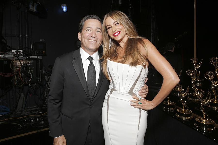 Bruce Rosenblum and Sofía Vergara of Modern Family at the 66th Emmys.