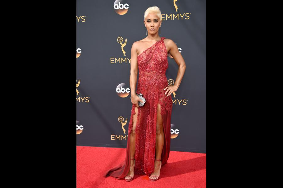 Sibley Scoles on the red carpet at the 2016 Primetime Emmys.