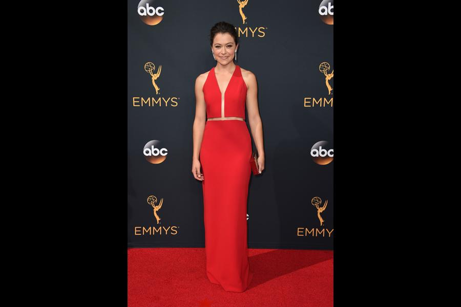 Tatiana Maslany on the red carpet at the 2016 Primetime Emmys.