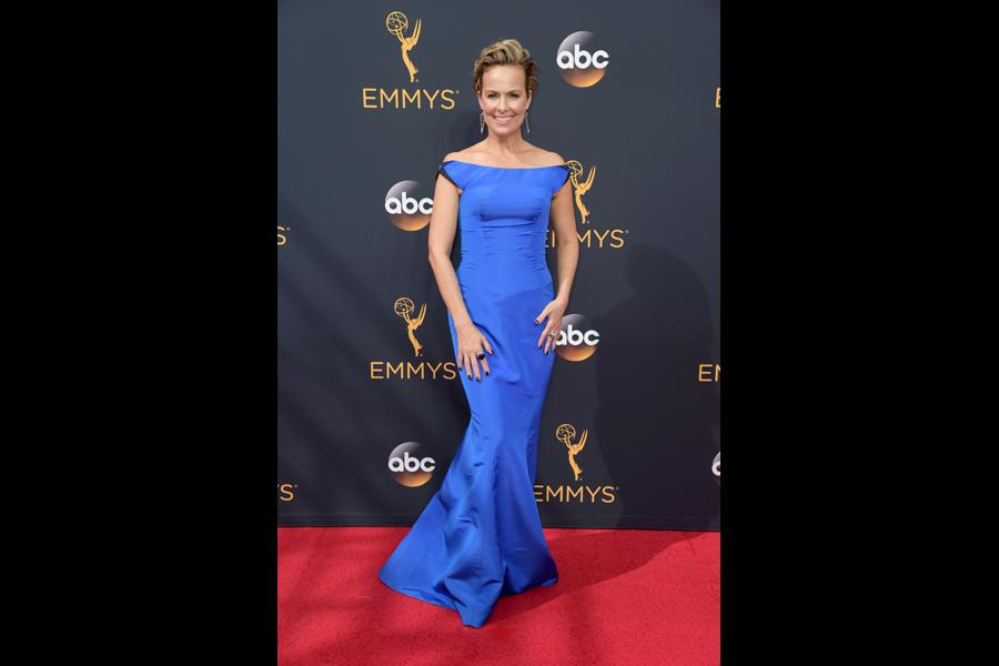Melora Hardin on the red carpet at the 2016 Primetime Emmys.