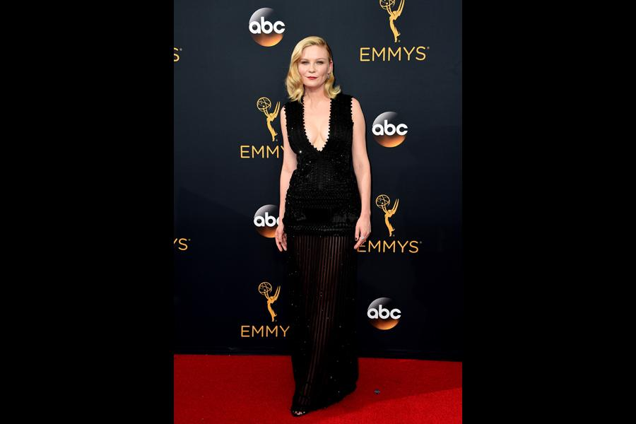 Kirsten Dunst on the red carpet at the 2016 Primetime Emmys.