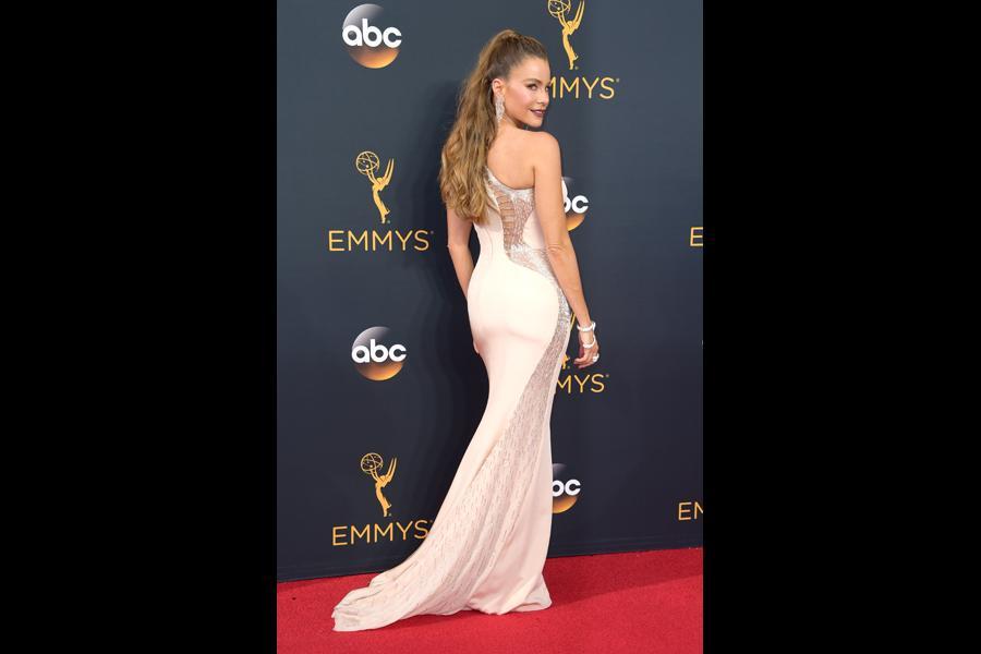 Sofia Vergara on the red carpet at the 2016 Primetime Emmys.