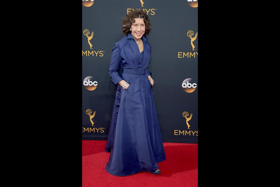 Lily Tomlin on the red carpet at the 2016 Primetime Emmys.