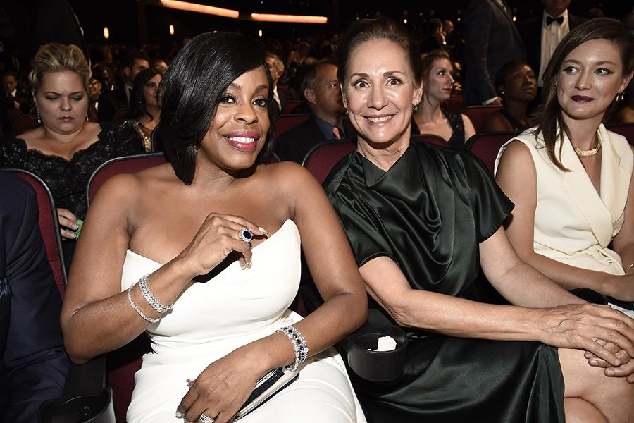 Niecy Nash and Laurie Metcalf at the 2016 Primetime Emmys.