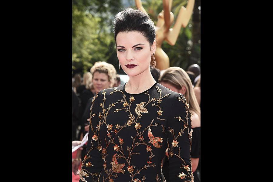 Jaimie Alexander on the red carpet at the 2017 Primetime Emmys.