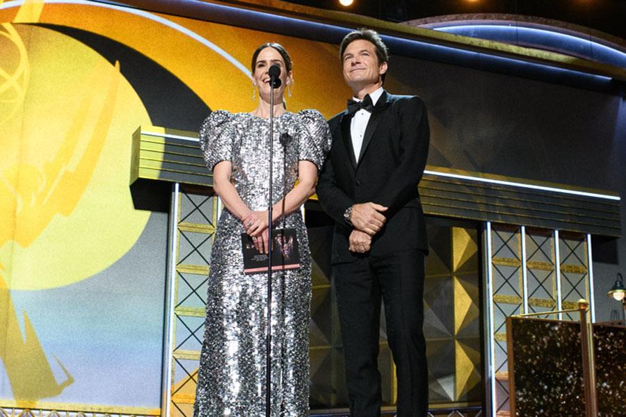 Sarah Paulson and Jason Bateman present an award at the 69th Primetime Emmys.