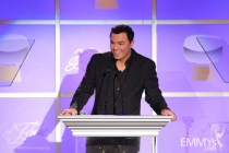Seth MacFarlane pays tribute to the late Gene Roddenberry.