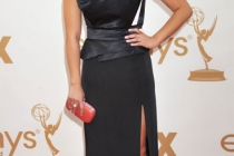 Jenna Ushkowitz arrives at the Academy of Television Arts & Sciences 63rd Primetime Emmy Awards