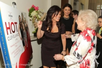 Hot In Cleveland - Valerie Bertinelli and Betty White