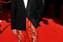 Alan Cumming arrives at the Academy of Television Arts & Sciences 63rd Primetime Emmy Awards at Nokia Theatre L.A. Live