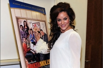 Katy Mixon attends an Evening with Mike & Molly