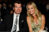 (L-R) Jerry O'Connell and Rebecca Romijn in the audience