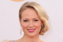 Jewel on the Red Carpet at the 65th Emmys