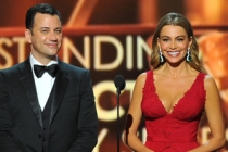 Jimmy Kimmel and Sofia Vergara present the award for Outstanding Lead Actor in a Comedy Series