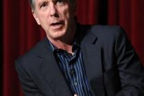 Modern Family - moderator Tom Bergeron