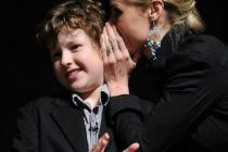 Modern Family - Nolan Gould and Julie Bowen