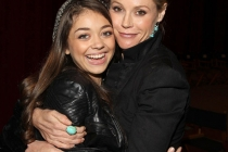 Modern Family - Sarah Hyland and Julie Bowen