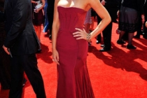 Actress Olivia Munn arrives at the 62nd Annual Primetime Emmy Awards held at the Nokia Theatre