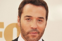 Jeremy Piven arrives at the Academy of Television Arts & Sciences 63rd Primetime Emmy Awards at Nokia Theatre L.A. Live