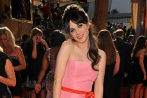 Zooey Deschanel arrives at the Academy of Television Arts & Sciences 63rd Primetime Emmy Awards