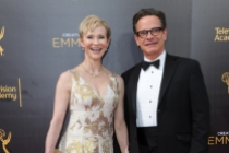 Tracy Shayne and Peter Scolari on the red carpet at the 2016 Creative Arts Emmys.