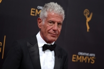 Anthony Bourdain on the red carpet at the 2016 Creative Arts Emmys.