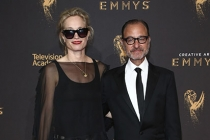 Alexis Bloom and Fisher Stevens on the red carpet at the 2017 Creative Arts Emmys.