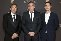 Gregg Fienberg, Jean-Marc Vallée and Émile Vallée on the red carpet at the 2017 Creative Arts Emmys.