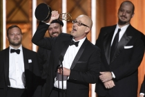 The special visual effects team from Westworld accepts their award at the 2017 Creative Arts Emmys.